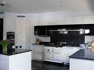 cuisine blanche avec plan de travail noir 73 idees de With cuisine blanche plan de travail noir