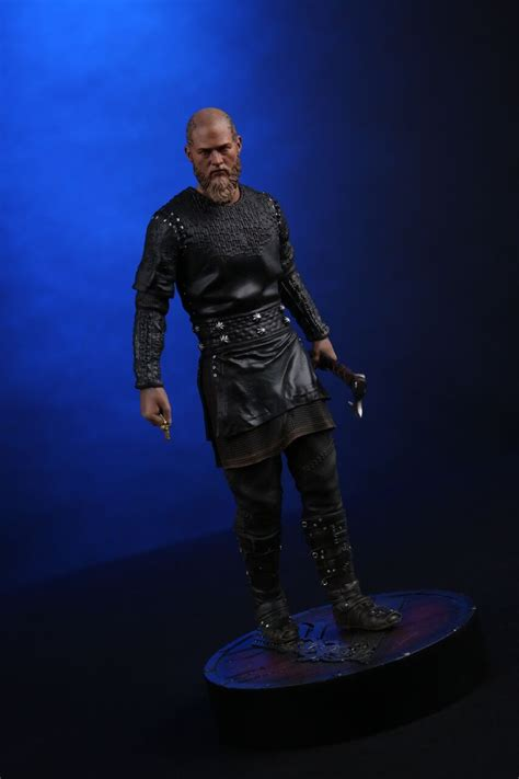 vikings king ragnar  statue chronicle collectibles