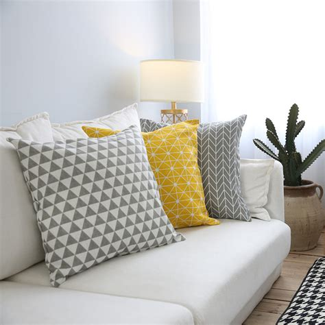plaid sur canapé modern sofa cushion cover yellow grey cotton linen