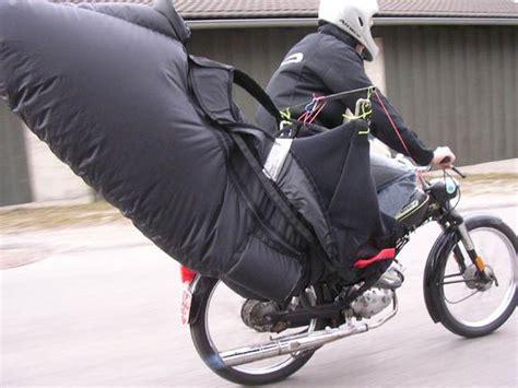 Funny Paragliding Images - Jrme Daoust