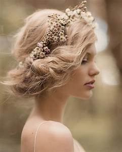 Flower crown romantic updo | Mood | Pinterest | A well ...