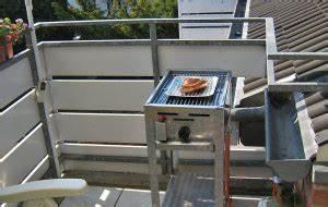 Gasgrill Auf überdachten Balkon Erlaubt : grillen auf dem balkon was ist erlaubt gasgrill wissen tipps rezepte ~ Orissabook.com Haus und Dekorationen