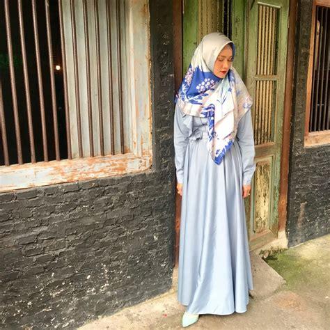 Model baju wrap dress merupakan model baju hamil kerja yang sangat disukai oleh setiap wanita. Berikut ini 9 Inspirasi Fashion Gamis ala Mulan Jameela ...