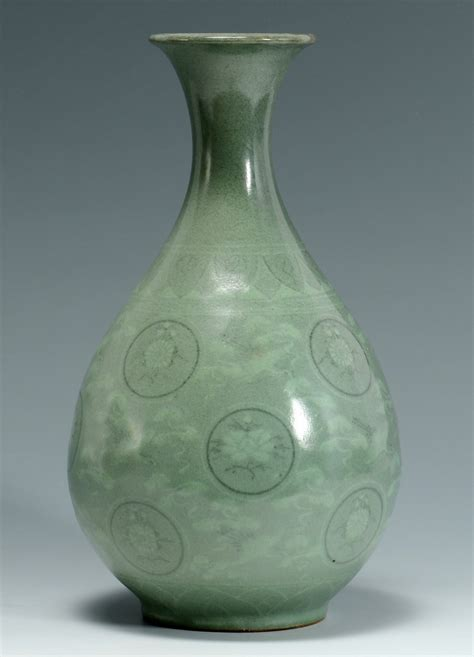 lot  korean celadon glazed vase