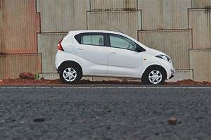 Datsun redi-GO 1.0 Review white side view - Indian Autos blog