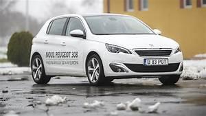 308 Peugeot 2015 : 2015 peugeot 308 tested sacr bleu autoevolution ~ Maxctalentgroup.com Avis de Voitures