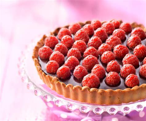 cuisiner le choux astuce de cyril lignac tarte chocolat et framboises