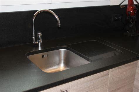 evier cuisine noir plan de cuisine granit plans de cuisines granit plan de