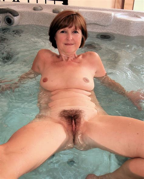 Wife in hot tub at HomeMoviesTube.com