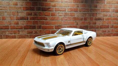 garagem hot wheels ford mustang shelby gt