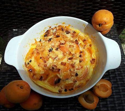 cuisiner avec un recette de clafoutis aux abricots et amandes cuit au micro ondes