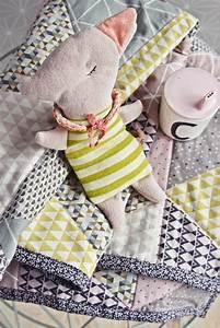 Babydecke Nähen Anleitung Kostenlos : triangle baby quilt n h anleitung babydecke mit dreieck muster ~ Frokenaadalensverden.com Haus und Dekorationen