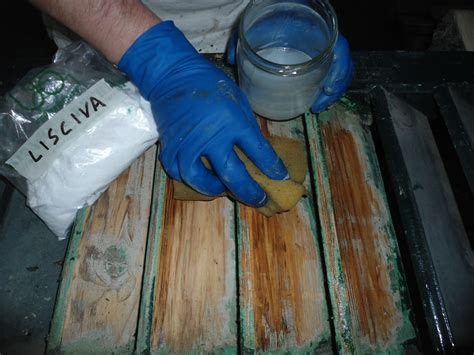 persiane in legno fai da te come sverniciare il legno lo ta r restauro persiane
