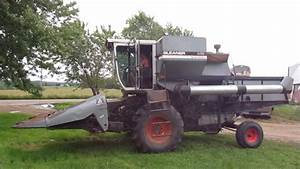 Allis Chalmers Gleaner M2 Combine