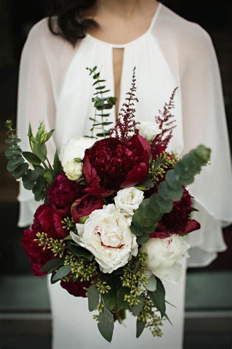 burgundy wedding bouquets  fall winter wedding page    puff