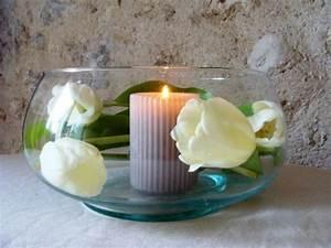 60 idees avec les bougies decoratives archzinefr With déco chambre bébé pas cher avec composition de fleurs de noel