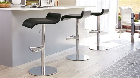 Contemporary Curvy Bar Stool