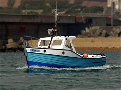 Small Fishing Boats Plans by The 25 Best Small Fishing Boats Ideas On