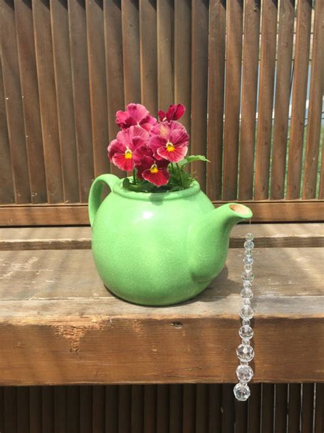 irresistible diy teapot garden decorations