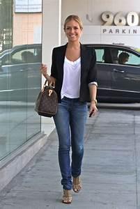 Kristin Cavallariu0026#39;s basic blazer outfit jeans white tee ...