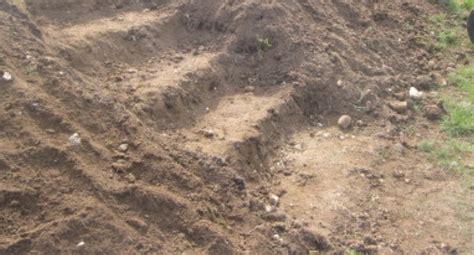 cr 233 er un escalier ext 233 rieur creus 233 dans la terre et avec gazon d 233 co inspiration