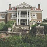 Inside Abandoned Victorian Mansions | 736 x 736 jpeg 121kB