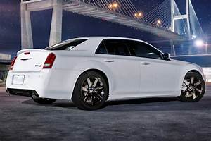Chrysler 300 Srt8 : used 2014 chrysler 300 srt8 pricing for sale edmunds ~ Medecine-chirurgie-esthetiques.com Avis de Voitures