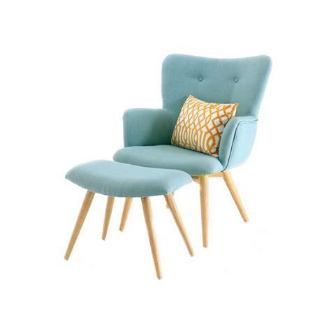 cuisine jaune et grise fauteuil scandinave en tissu avec repose pieds bleu stockholm