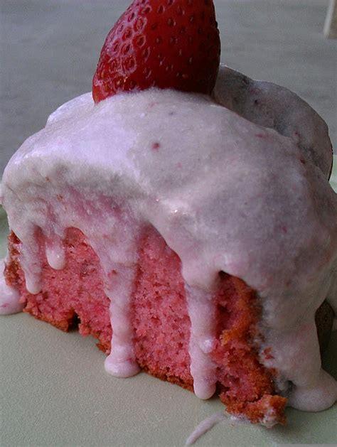 strawberry cake  strawberry cream cheese frosting
