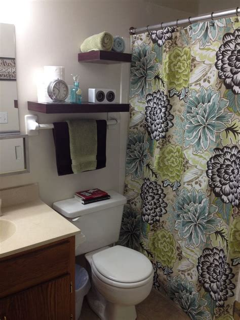 small apartment bathroom decorating ideas decorating ideas for small bathrooms in apartments
