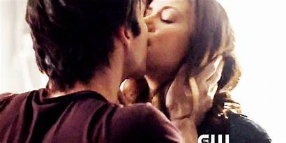 Delena Kiss Vampire Diaries Gifs Giphy Animated
