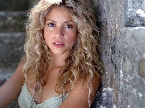 Beautiful Shakira Hd Wallpapers Free