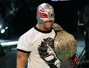 NEW CHAMPIONS WWE WOMEN AND MEN: Rey Mysterio the best 2011