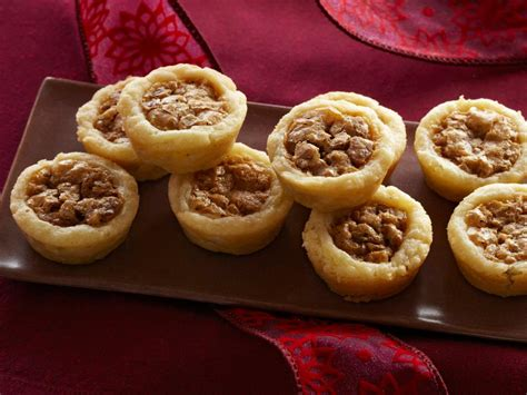 It was always for the whole town. Trisha Yearwood's Best Dessert Recipes | Trisha's Southern ...