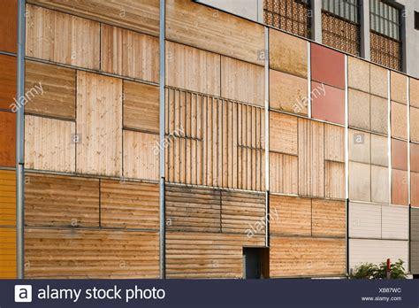 holzfassade holz fassade stockfoto bild  alamy