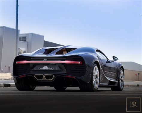 Price details, trims, and specs overview, interior features, exterior design, mpg and mileage capacity, dimensions. Buy 2018 Bugatti CHIRON used full Blue Carbon 1447km for ...