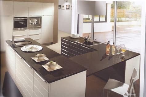 cuisine blanche et marron besoin d 39 idées pour une décoration contemporaine photos