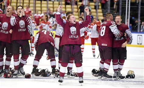 Latvijas hokeja izlase pasaules rangā pakāpjas par divām ...
