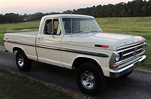 Clean 1971 F-100 Proves That White Isn't Always Boring