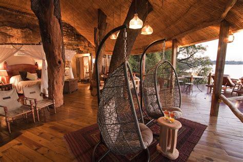tree house hotel  zambia tongabezi tree house treehouse map