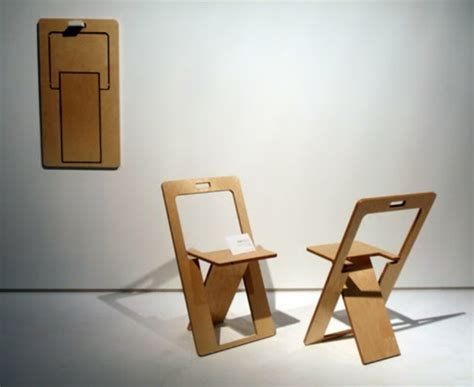 chaises pliantes but chaises pliantes deux repliées et une au mur pictures