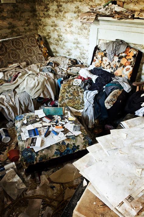 stress  mess dealing  clutter  hoarding