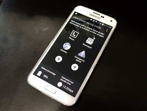 battery saving mode iphone iphone battery bashed in new galaxy s5 ad