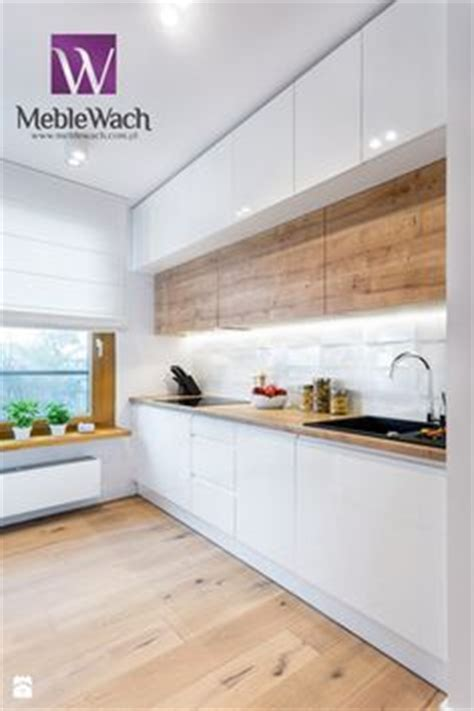 kitchen cabinets layouts in this kitchen a large window provides lots of 3064