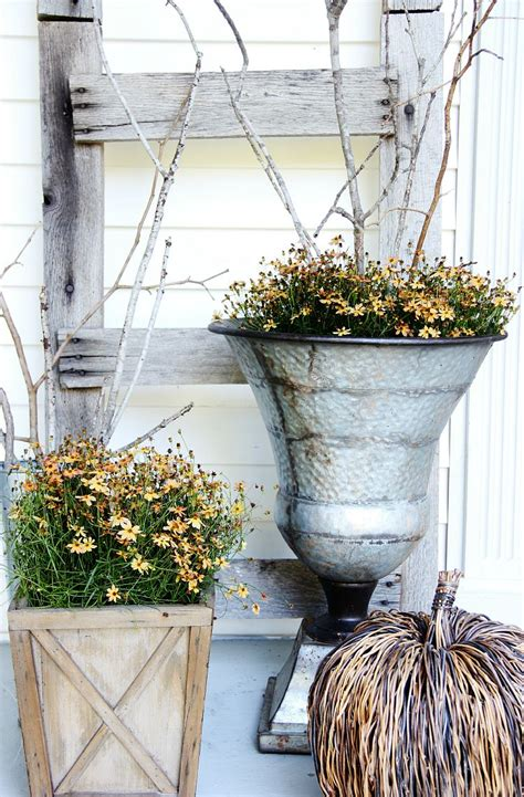 Outdoor Decor - fall front door decorating ideas that will make you the