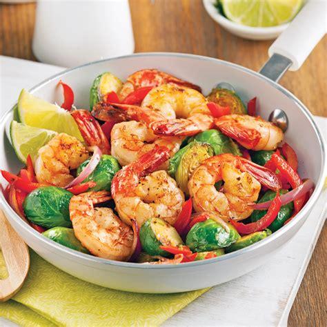 recette de cuisine avec des crevettes sauté de crevettes et choux de bruxelles soupers de