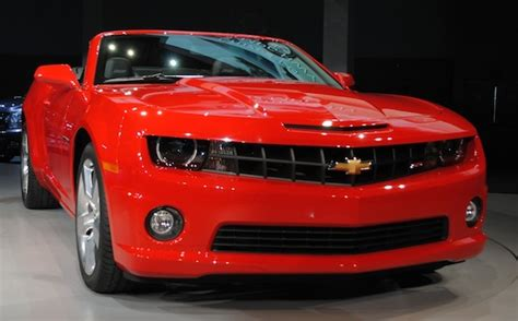 2011 Chevrolet Camaro Convertible Drops Its Top