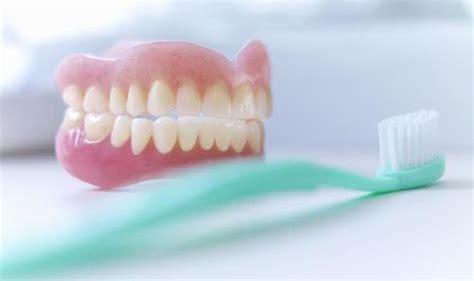 scientist  wearing dentures  sleep  doubles risk