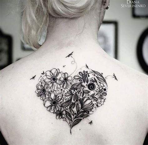 Tatouage De Femme  Tatouage Coeur Aquarelle Sur Dos