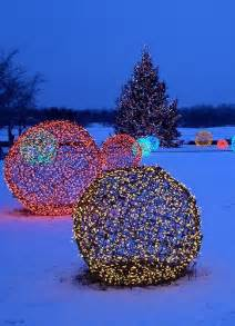 Outdoor Christmas Light Spheres